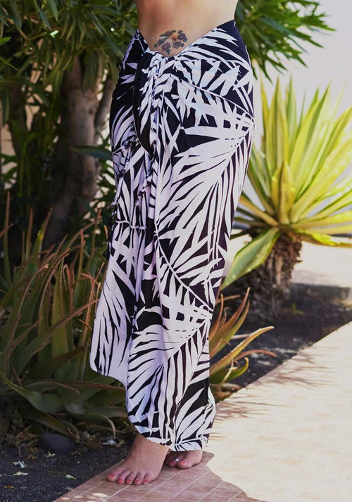 Palm Monochrome Full Sarong