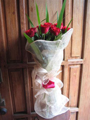 1-Dozen Classic Red Roses Bouquet