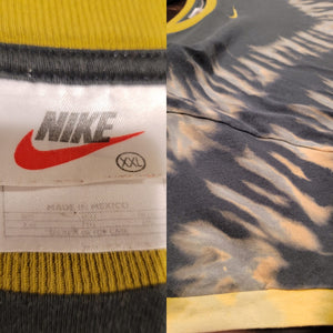 Vintage Nike XXL T-shirt - Discharge Dyed