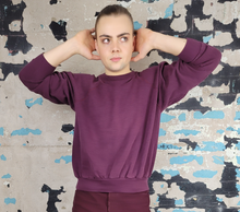 Load image into Gallery viewer, Wine crewneck - Oversized and Cropped Fit - sz XL