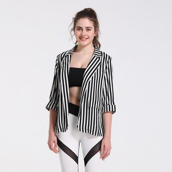 Early Spring Small Suit Female European Short Casual Slim Vertical Striped Jacket Five-point Sleeves