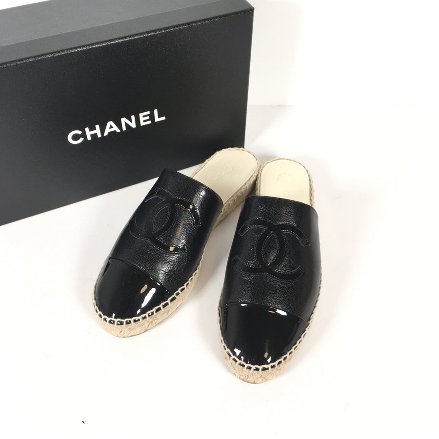 Chanel espadrilles mules in black
