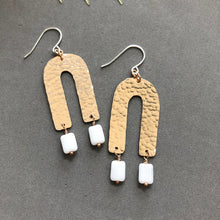 Load image into Gallery viewer, Spring Arch Earrings - E136