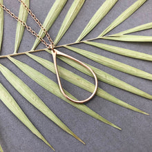 Load image into Gallery viewer, Teardrop - bronze wire necklace - N12