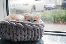 Load image into Gallery viewer, Marine Weave Cat Bed