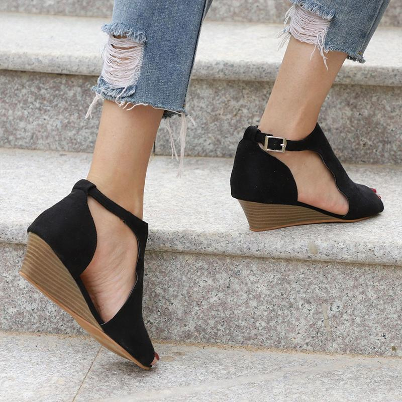 Peep Toe Chic Sandals