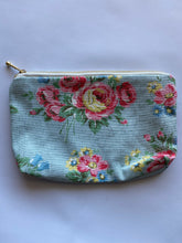 Load image into Gallery viewer, White floral Make up purse