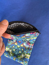 Load image into Gallery viewer, William Morris glasses case