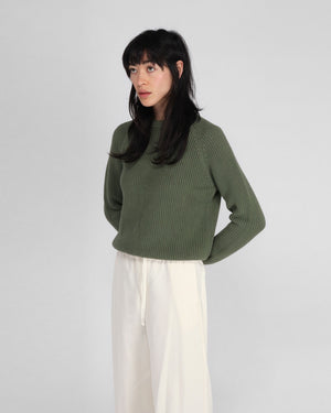 CROPPED BOXY CREW NECK SWEATER / LIGHT KHAKI