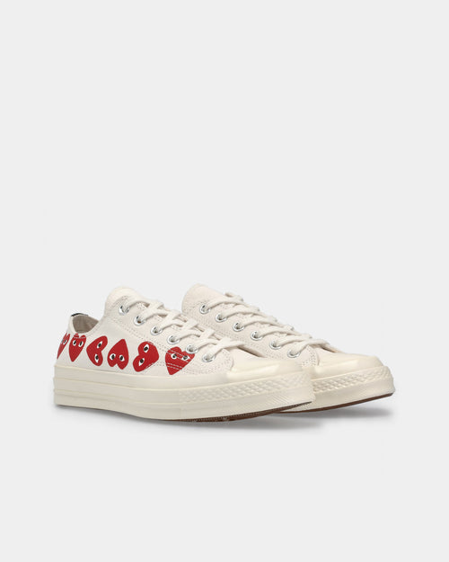 Chuck Taylor Low / Beige Multi Hearts