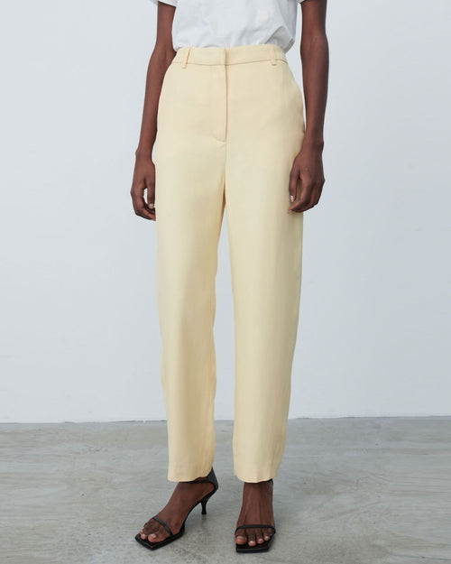 TWISTED SEAM TROUSER / CHAMPAGNE