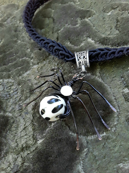 Trixie & Lisa Spider Choker