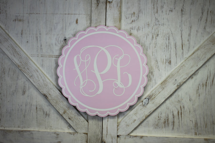 Scallop Circle - Wooden Monogrammed Sign (M-004)