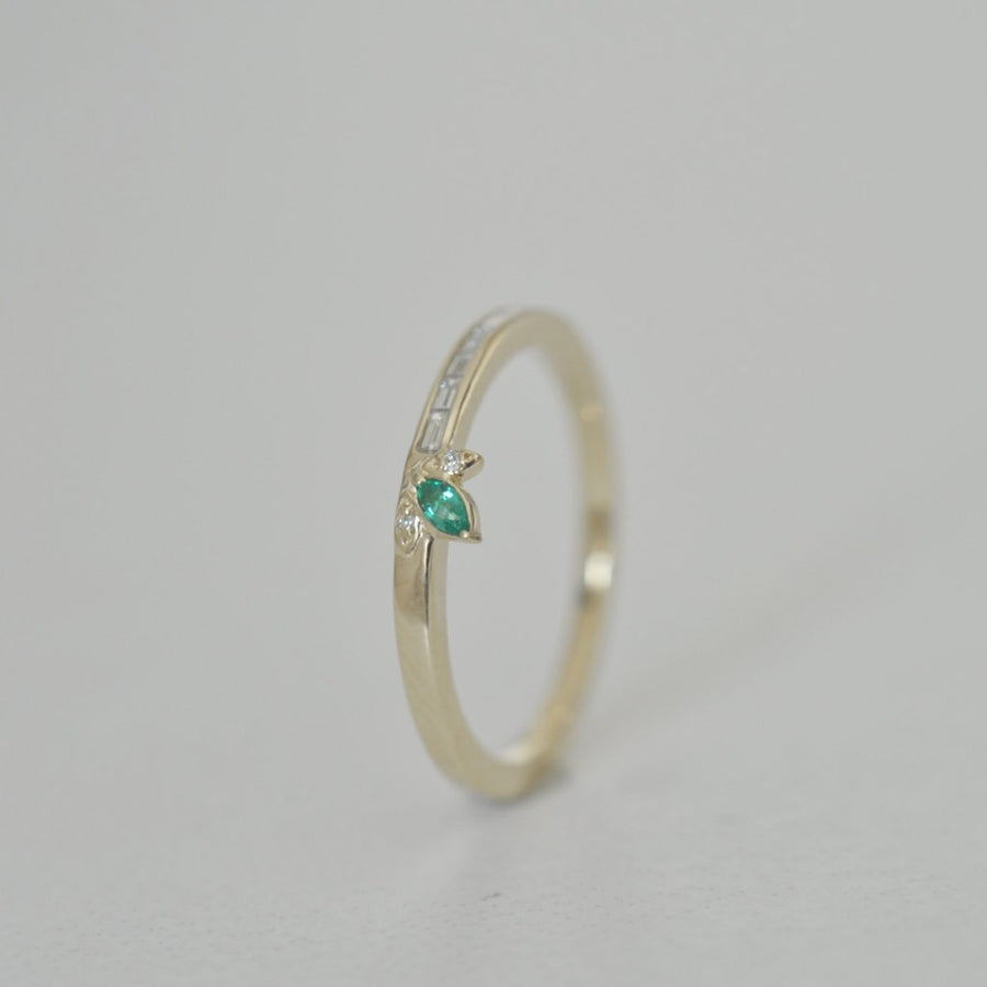 Daisy Ring - Emerald