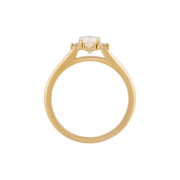 The Felicity Ring from the side: a raised setting allows a band to sit flush against it.
