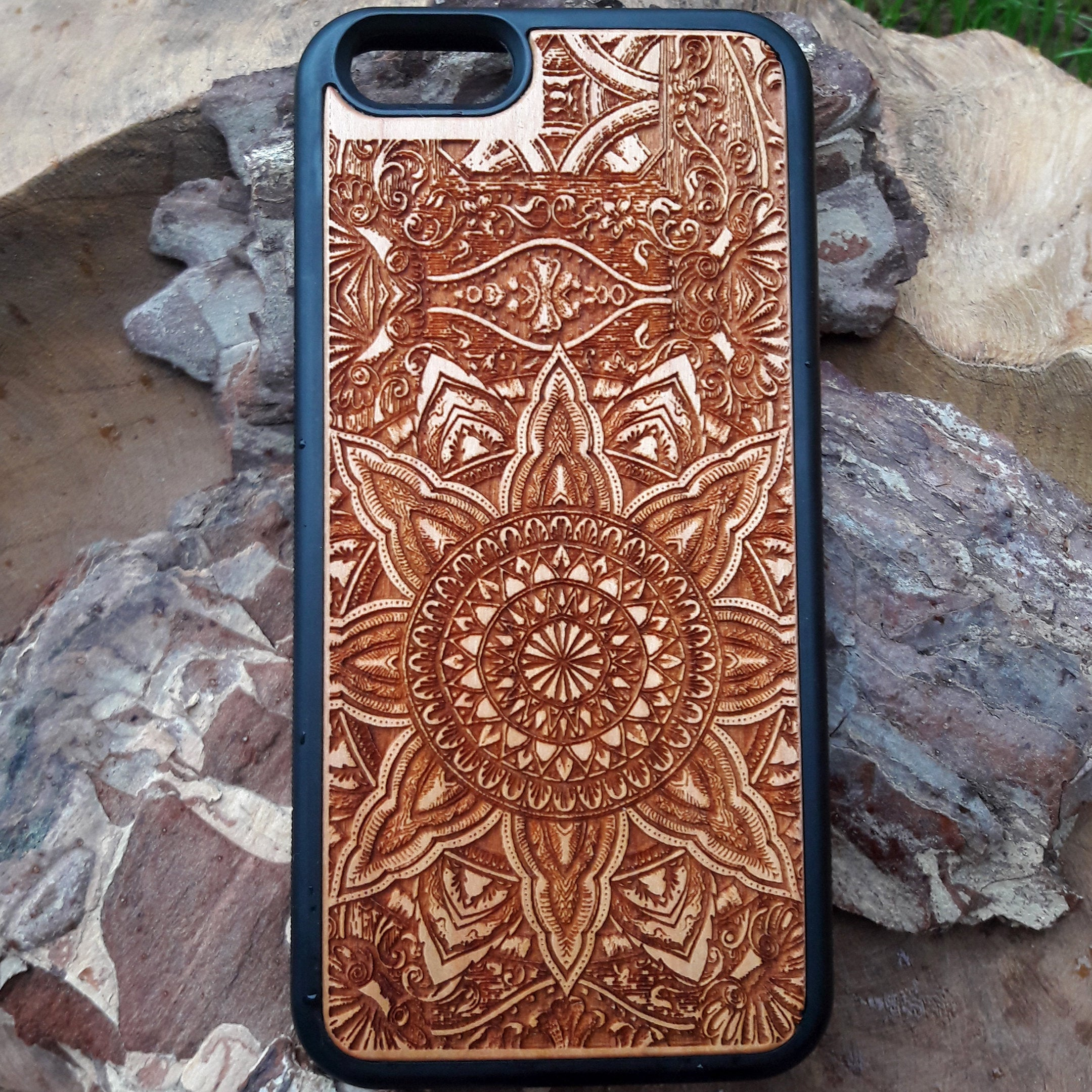 mandala iphone wooden cover