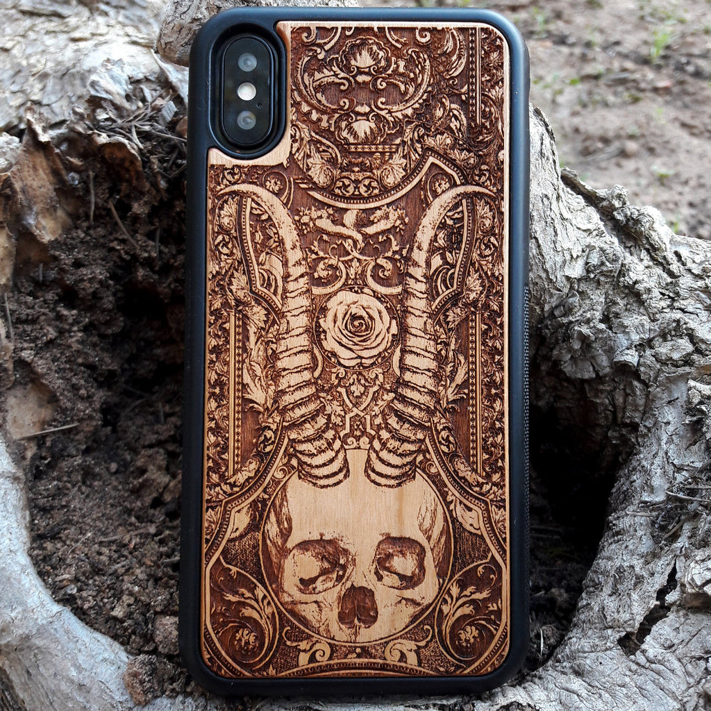 goth wood phone case