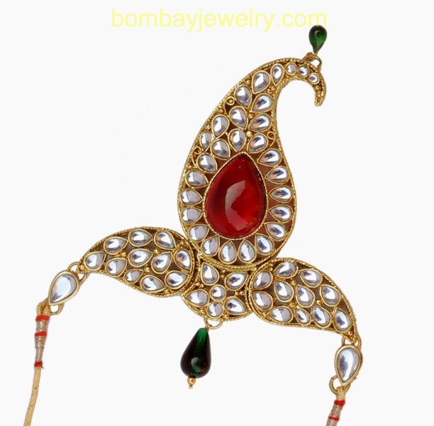 Red, green and white kundan armlets