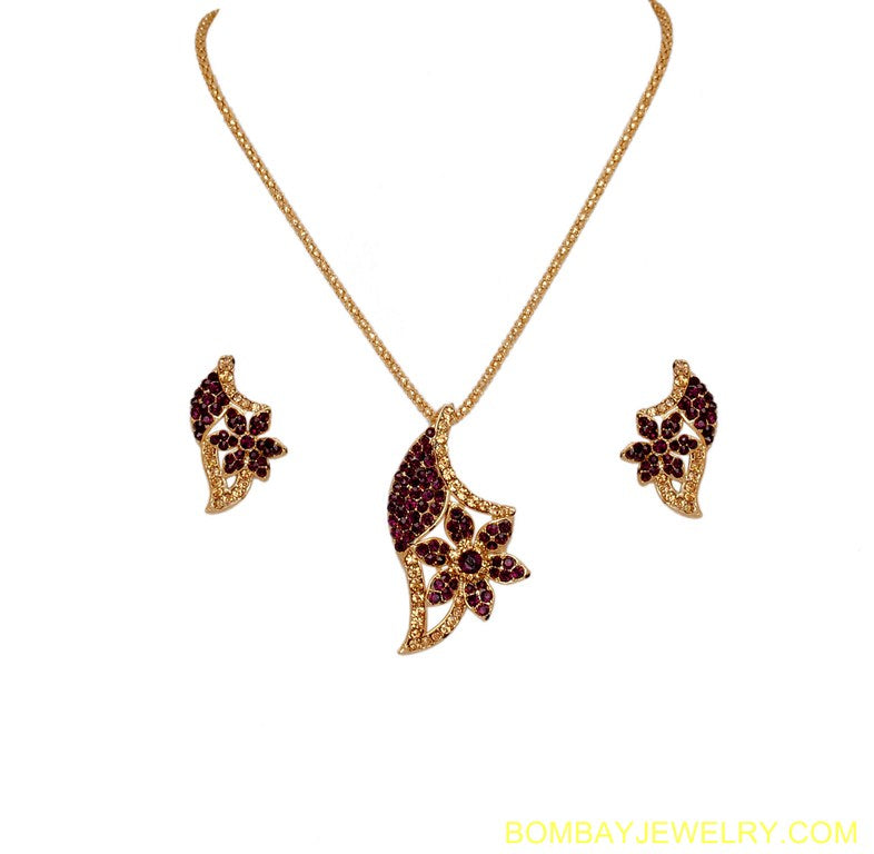 GOLDPLATED PURPLE AND GOLDEN DIAMOND PENDENT SET