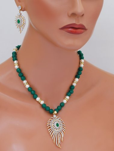 goldpolih emeral green and white diamond set-1527