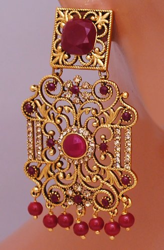 Goldpolish ruby red earring-2727