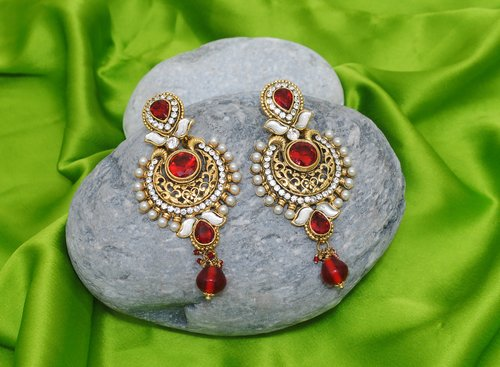 Goldpolish red and  white earring-2212
