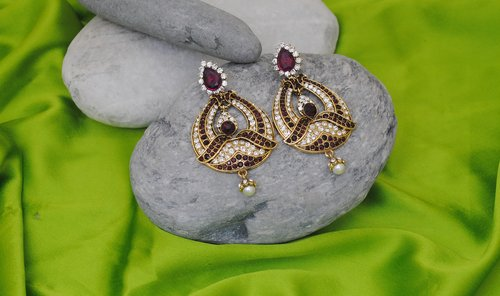 Goldpolish purple and white earring-2241
