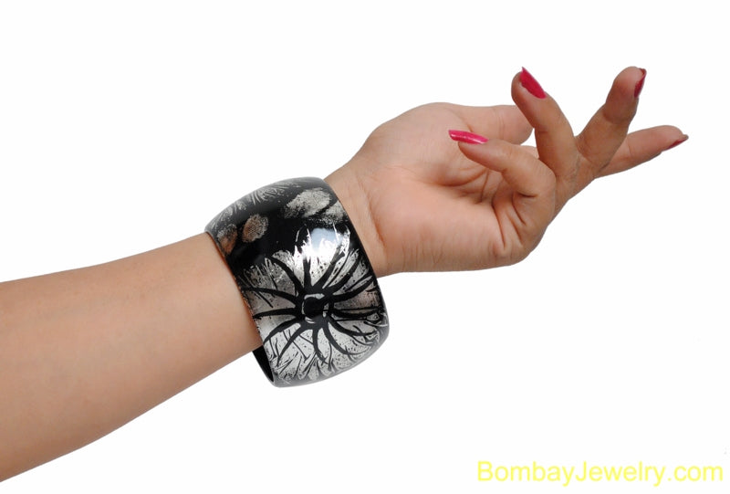 BLACK AND SILVER FASHION BANGLE