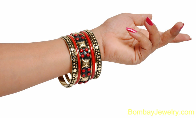 RED AND BLACK BANGLE WITH GOLDEN STUDDED