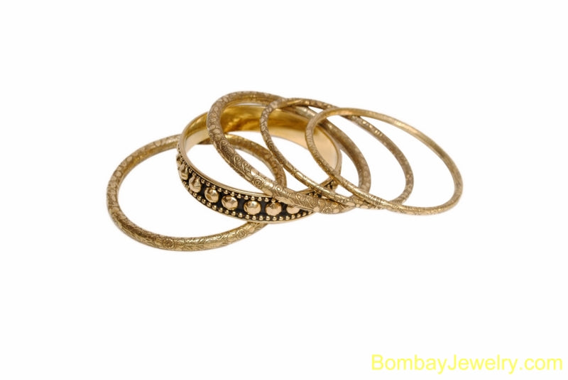 BLACK AND GOLDEN FASHION BANGLE