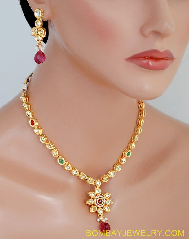 goldplated marron, green and white kundan set