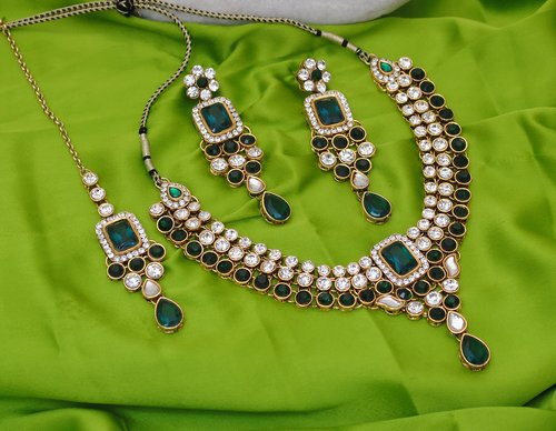Goldpolish green and white kundan set-1903