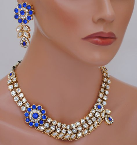 goldpolish blue and white kundan set-1946