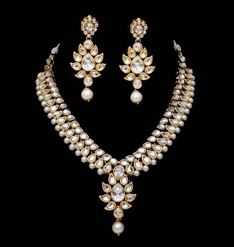 Goldpolish white kundan set-2172