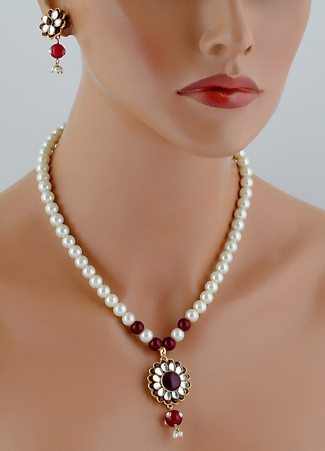 beautiful maroon and white pearl pacchi pendent set-304