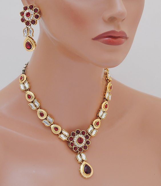 Goldpolish marron and white choker set-1793