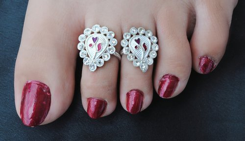 Silverpolish multicolour toe ring-1116