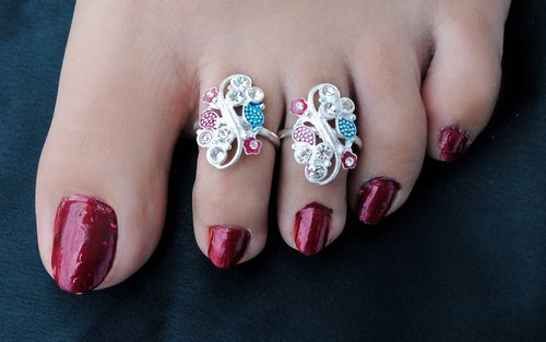 Silver polish multi-colour toe ring-1117