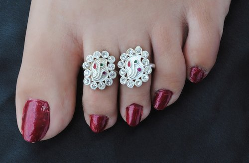 Silverpolish multicolour toe ring-1118