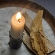 Load image into Gallery viewer, Green Tree Palo Santo Sticks