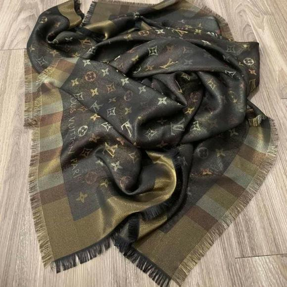 Louis Vuitton Shine Shawl Monogram Shawl NEW.