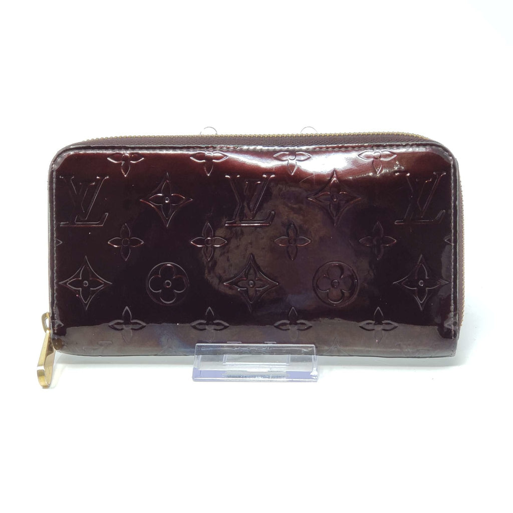 Louis Vuitton Vernis Zippy Wallet.