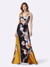 Load image into Gallery viewer, Petite Retro Floral Maxi Dress