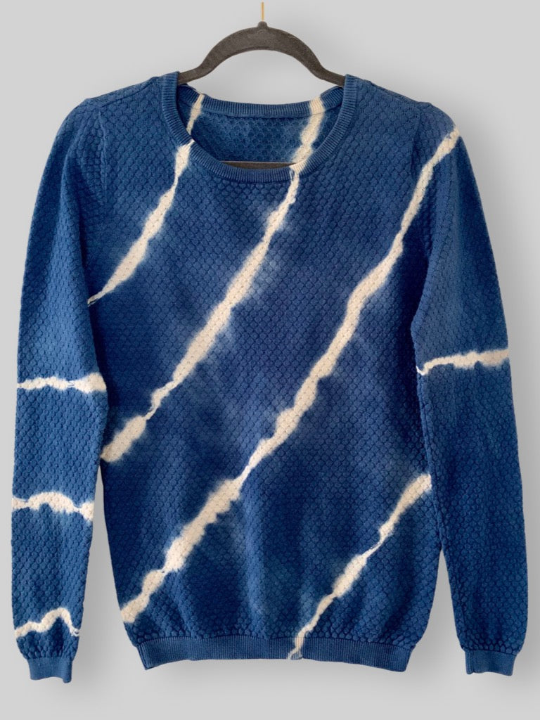 lightweight sweater women's M