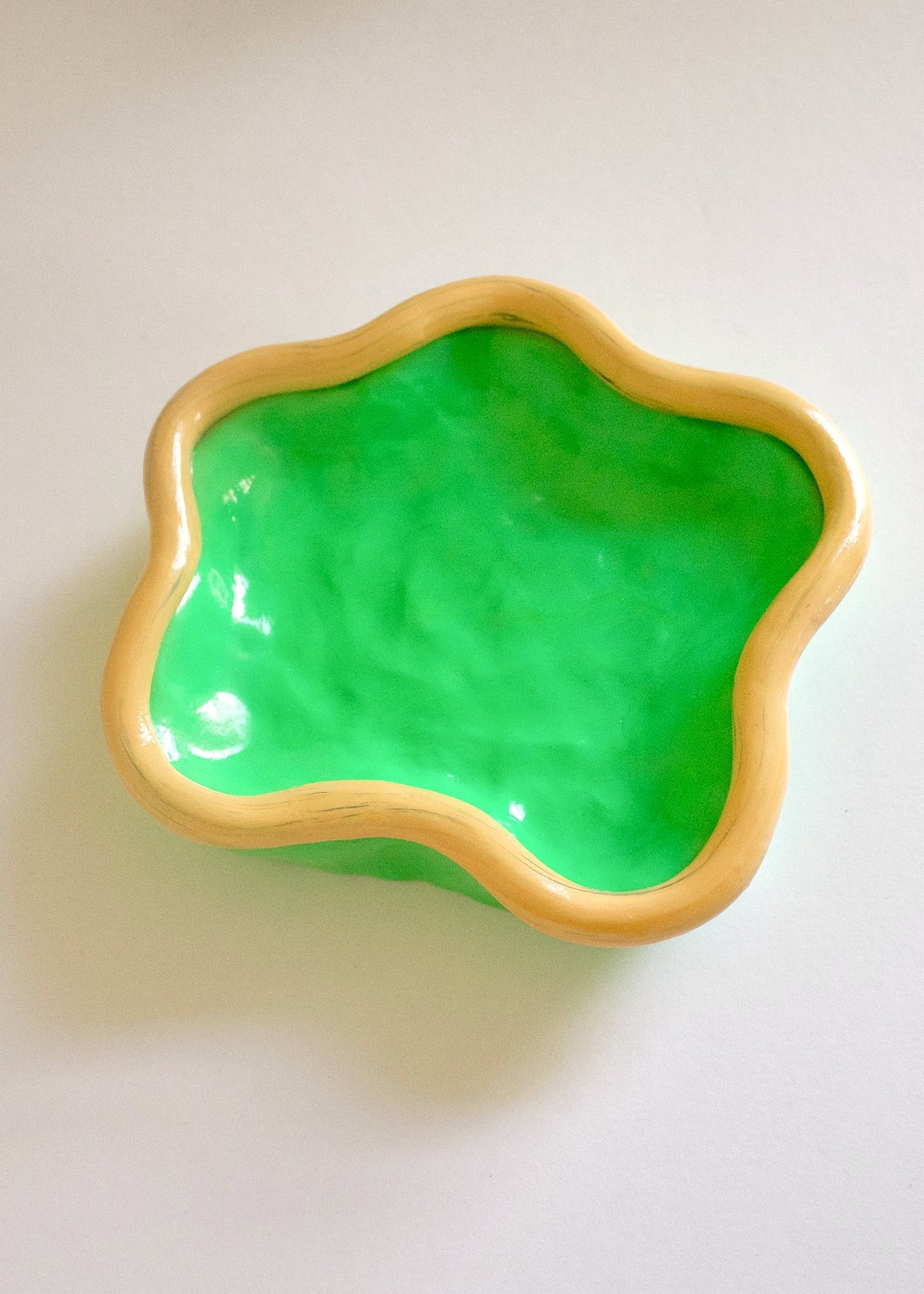 SQUIGGLE TRINKET DISH - GREEN/SPECKLED CREAMSICLE