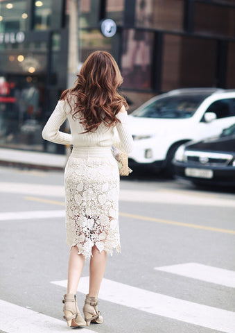 Solid Lace Decorated Denim Knee-Length Straight Skirts - 2 Colors