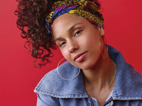 Alicia Keys without makeup on the voice season 11