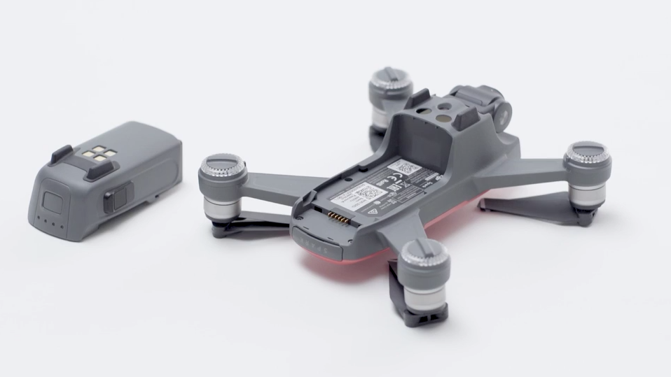 Mounting the Intelligent Flight Battery onto the DJI Spark