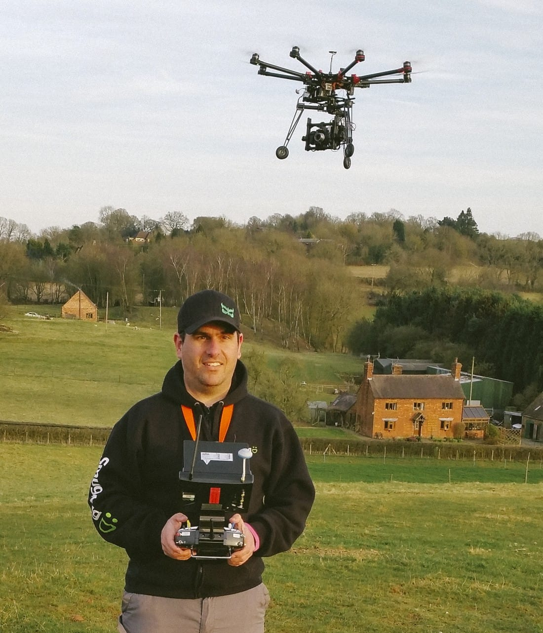 Chris Davies flying his DJI S1000, MoVi M5