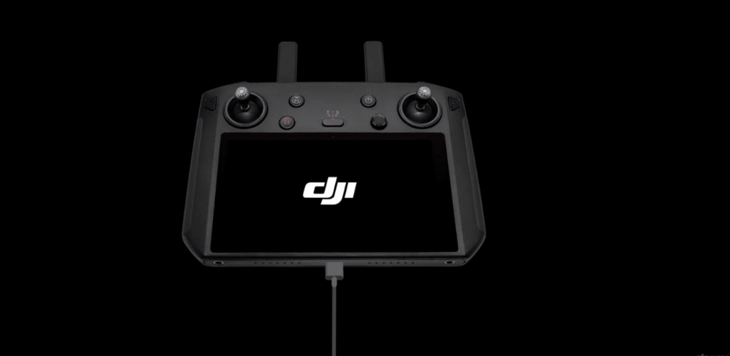 How To Update The DJI Smart Controller - Updating via DJI Assistant 2 - Step Two: Connect the remote controller with the PC via a USB-C cable and turn on the DJI Smart Controller.